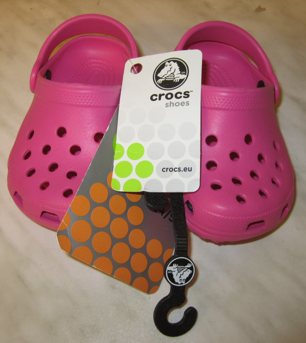 hot sale online 024f0 58013 Crocs Classic Kids Clogs, Größe 4/5, Fuchsia